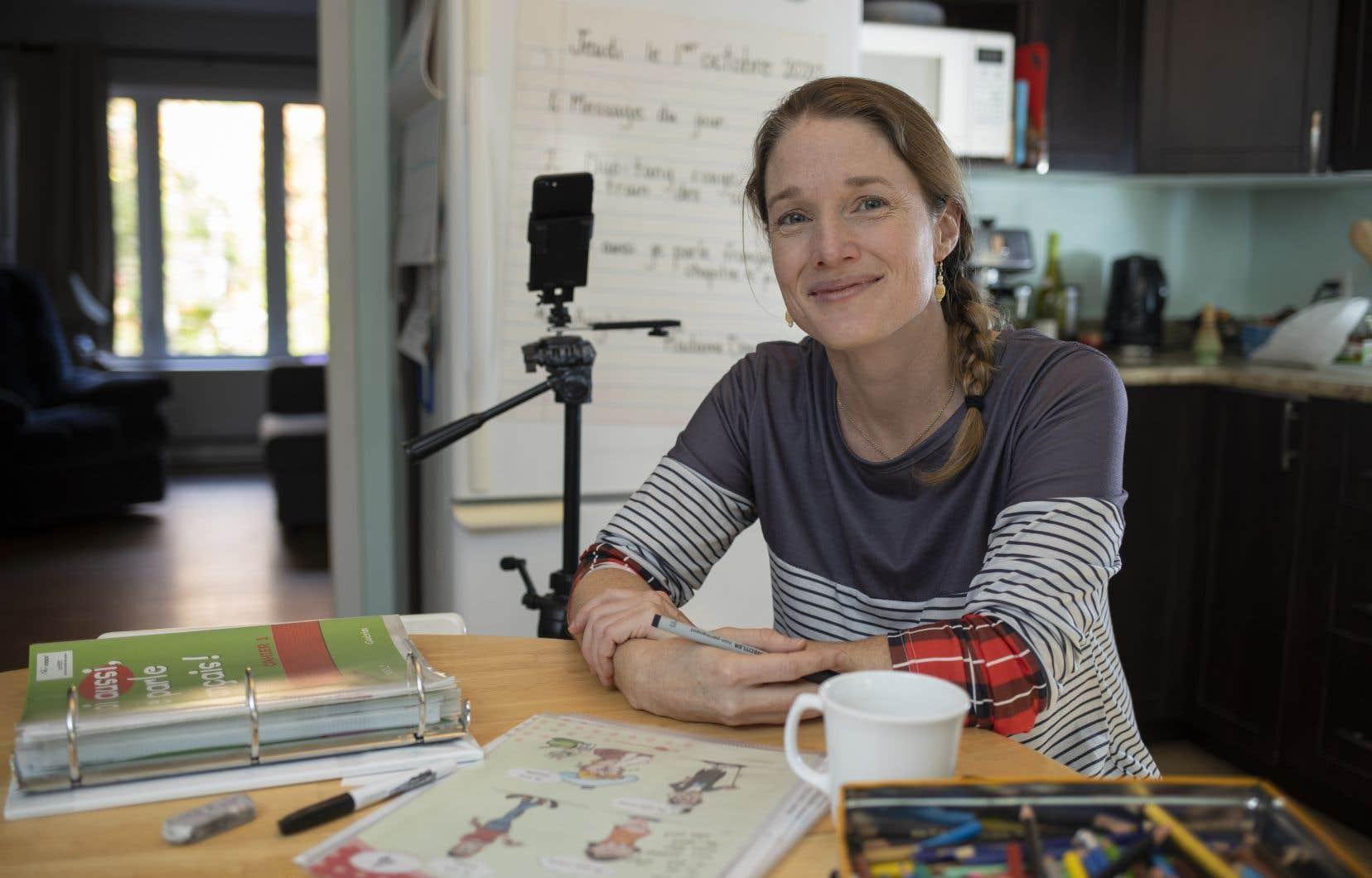 Catherine Gaudette enseigne dans une classe d'accueil de l'école Sans-Frontières, située en basse-ville de Québec.