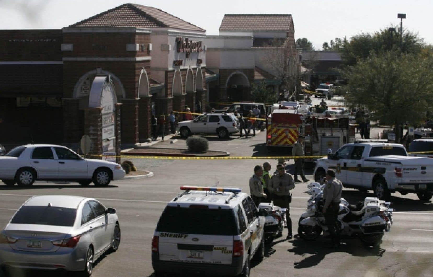 Le 8 janvier dernier, la tuerie de Tucson, en Arizona, venait s'ajouter à une liste déjà longue d'attentats perpétrés à l'aide d'armes à feu au cours des dernières années aux États-Unis.