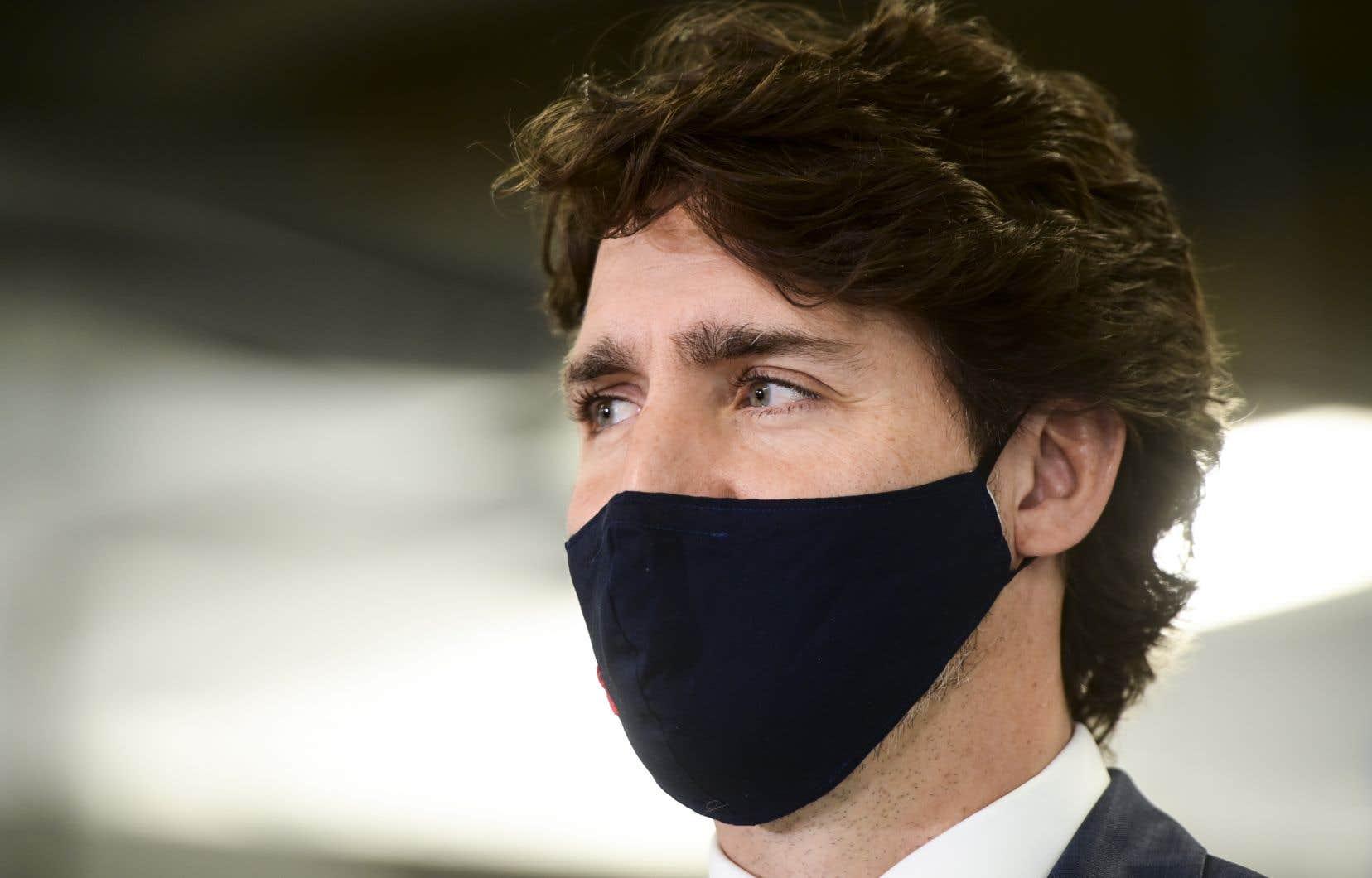 Justin Trudeau était en banlieue d'Ottawa pour annoncer le financement de la construction de voitures électriques lorsqu'on lui a demandé ce qu'il pensait de la situation aux États-Unis.
