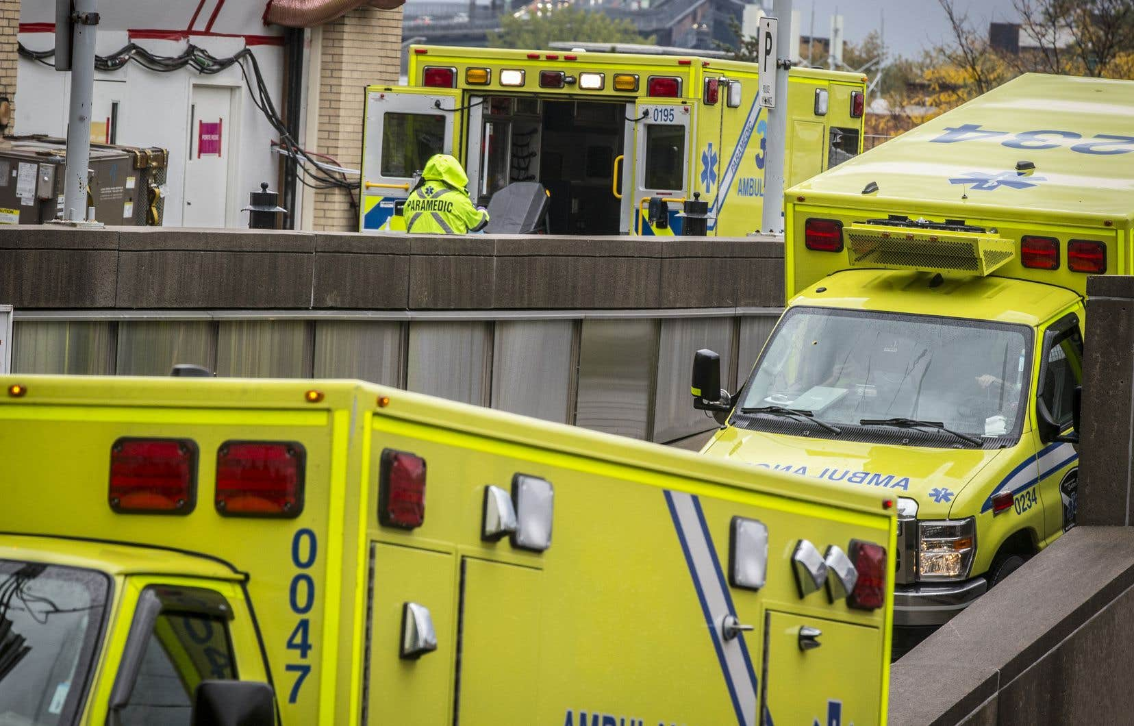 Le nombre d'hospitalisations à l'échelle du pays a doublé depuis deux semaines et le taux de décès commence à repartir à la hausse.