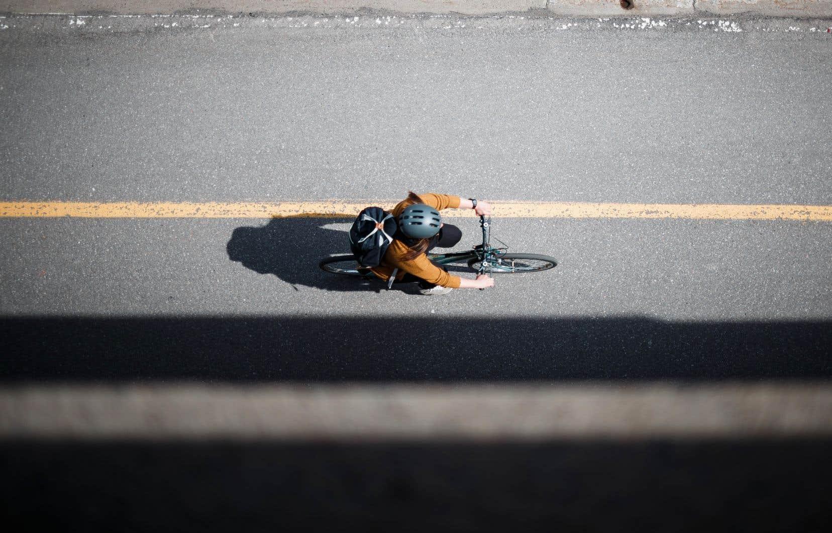 Une Montréalaise a subi d'importantes blessures il y a cinq ans après une chute à vélo sur la rue Rachel, qui était alors en travaux.