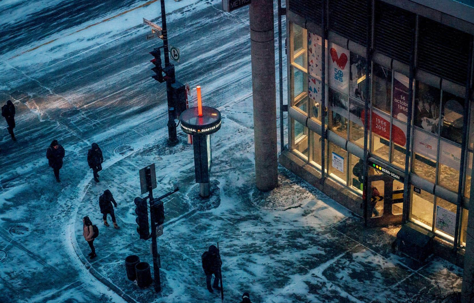 Beaucoup espèrent que les municipalités rebondiront sur les idées d'aménagements mis en place pour les piétons cet été et en proposeront de nouveaux, adaptés au froid, cet hiver.