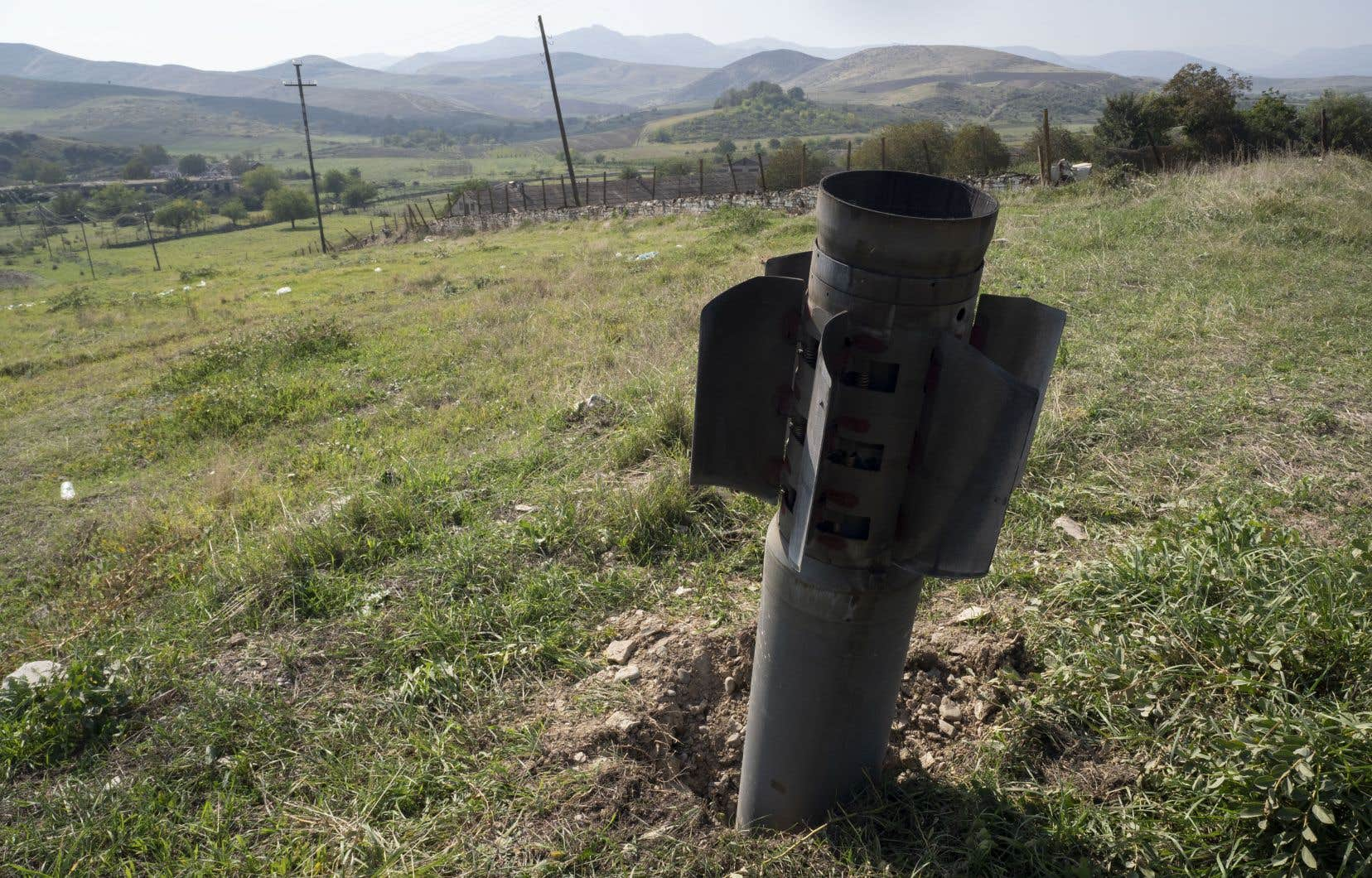 Les restes d'une roquette près de la ville de Martuni, dans la région séparatiste du Haut-Karabakh, le mercredi 14 octobre 2020.