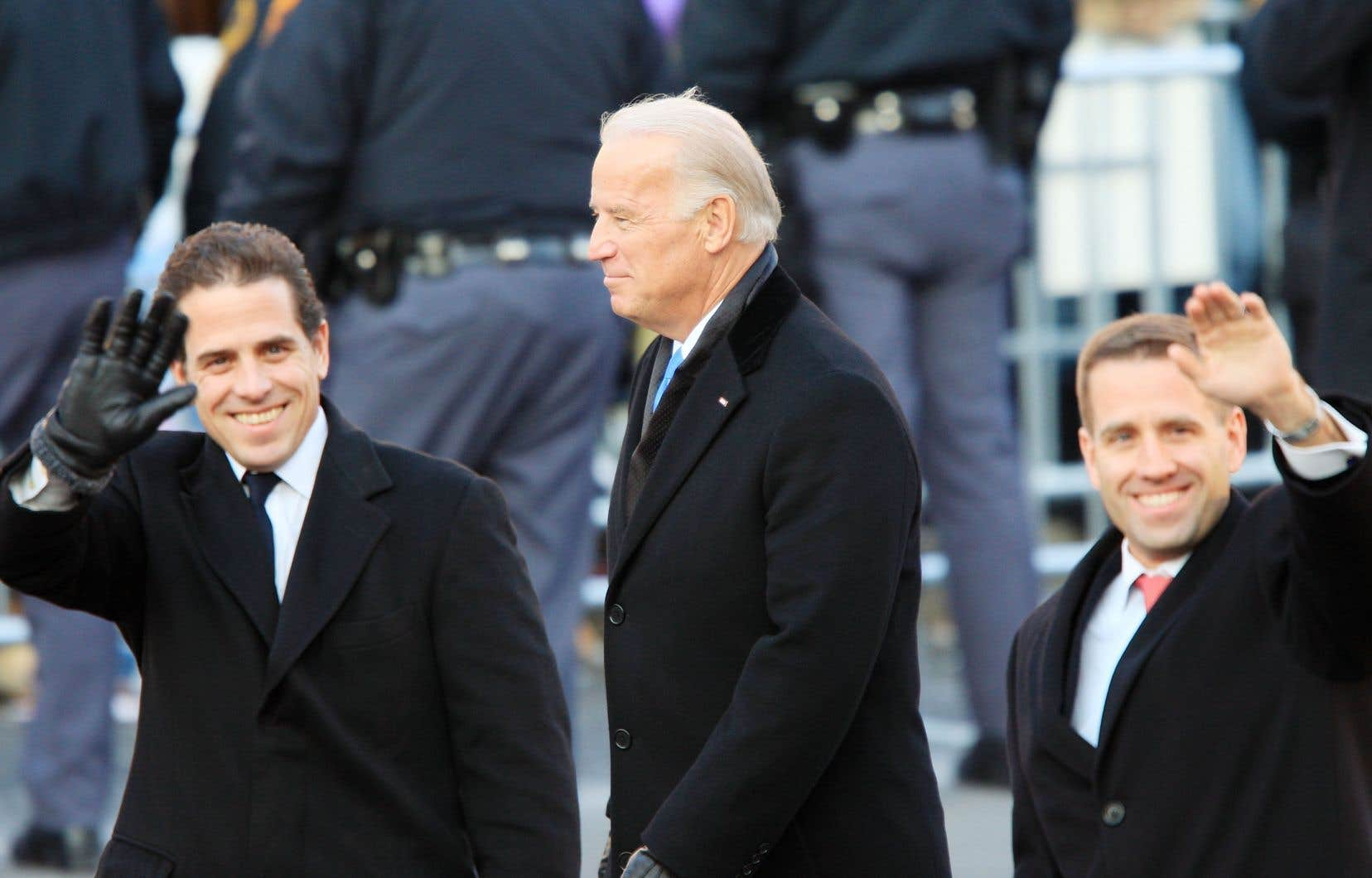 Joe Biden en 2009, en compagnie de ses fils Hunter (à gauche) et Beau
