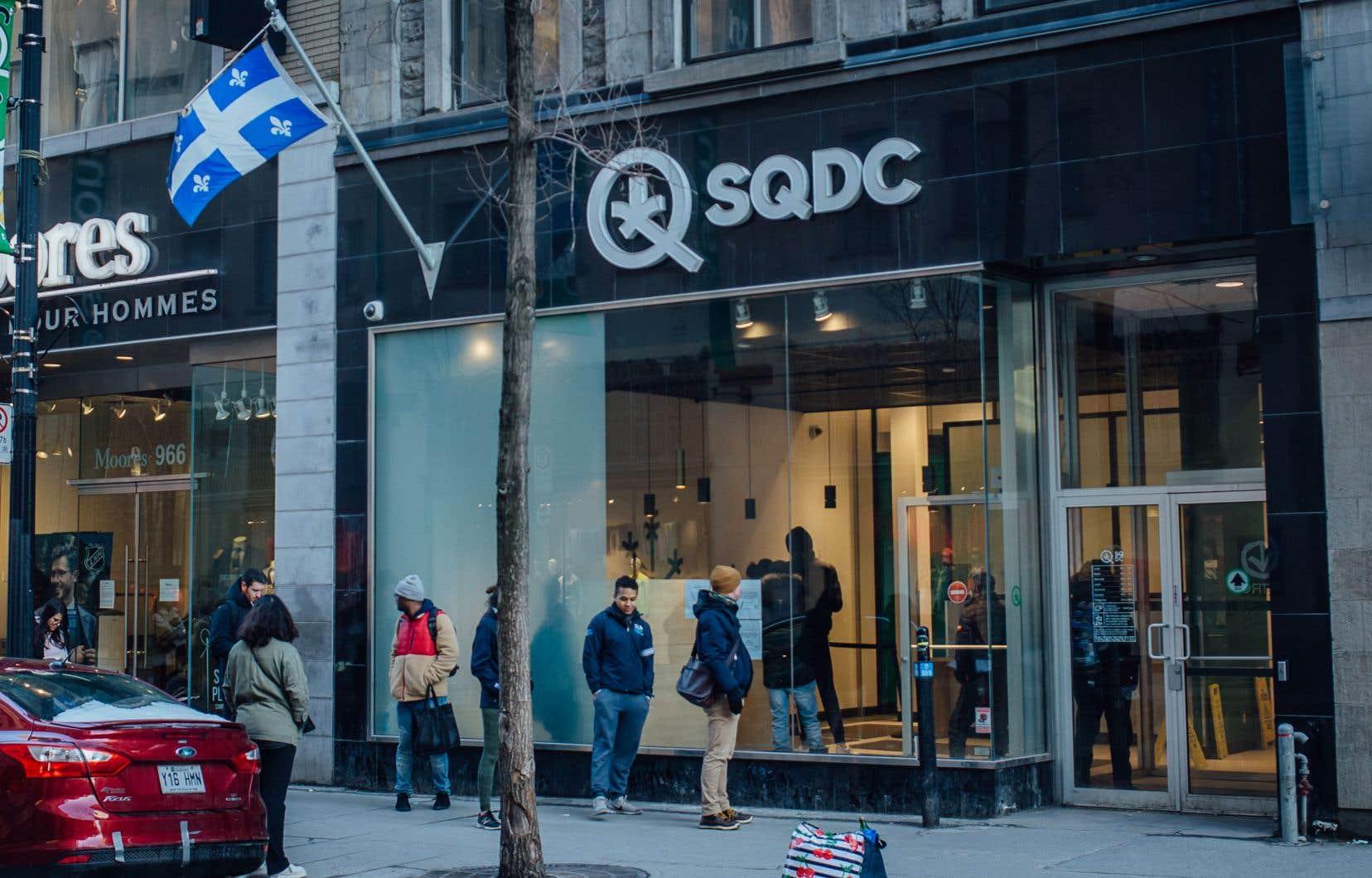 Au Québec, la SQDC a vendu 10 tonnes de cannabis au cours de ses six premiers mois d'exploitation, et 47 tonnes en 2019-2020.