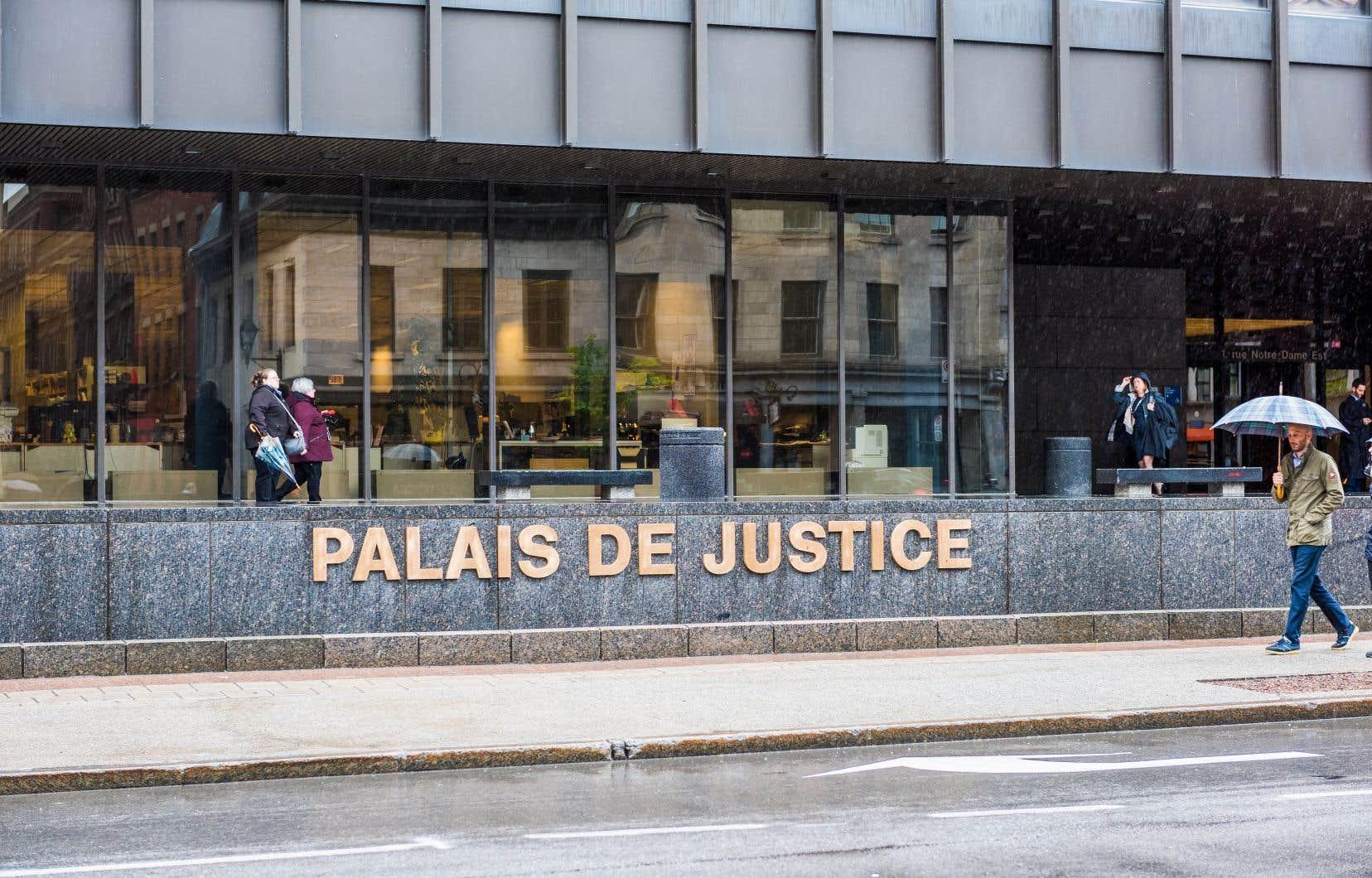 Dans un contexte où 55% des dossiers en matière civile impliquent au moins une personne non représentée par un avocat, des mesures sont plus que nécessaires en matière d'accès à la justice au Québec.