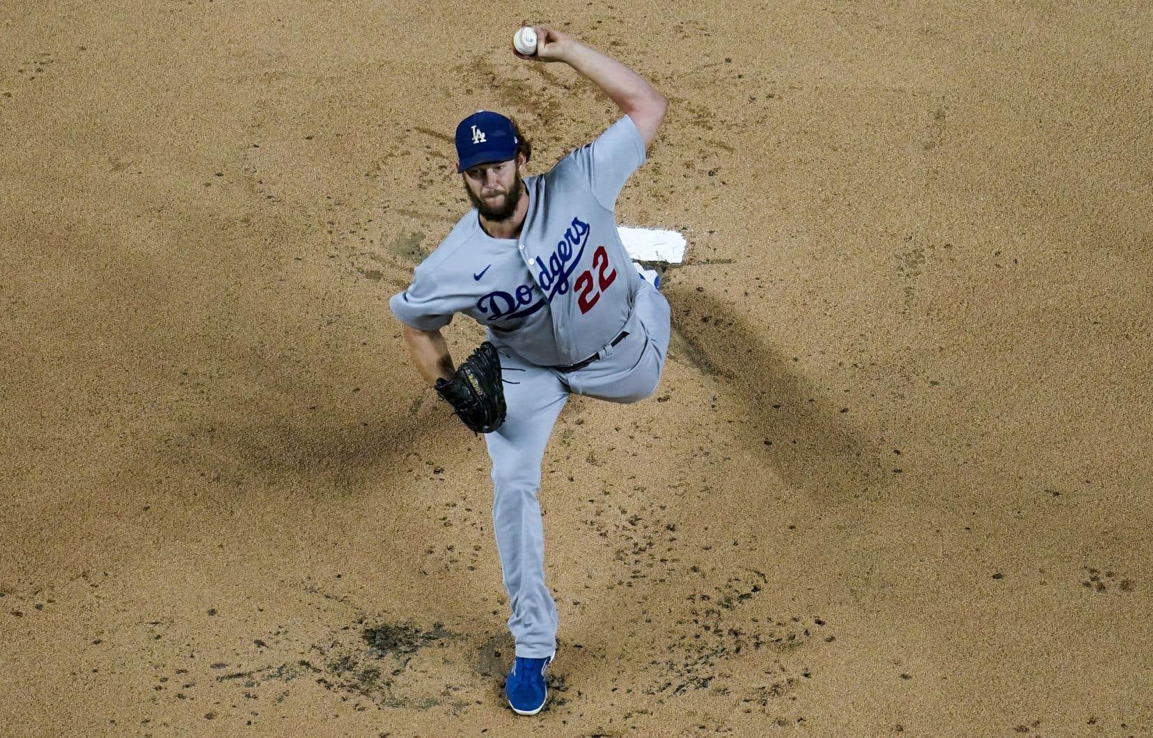 Lundi, les Dodgers n'avaient confirmé que le partant du match numéro 1: Clayton Kershaw. L'excellent gaucher des Dodgers est incapable de répéter dans les séries les succès qu'il connaît en saison.