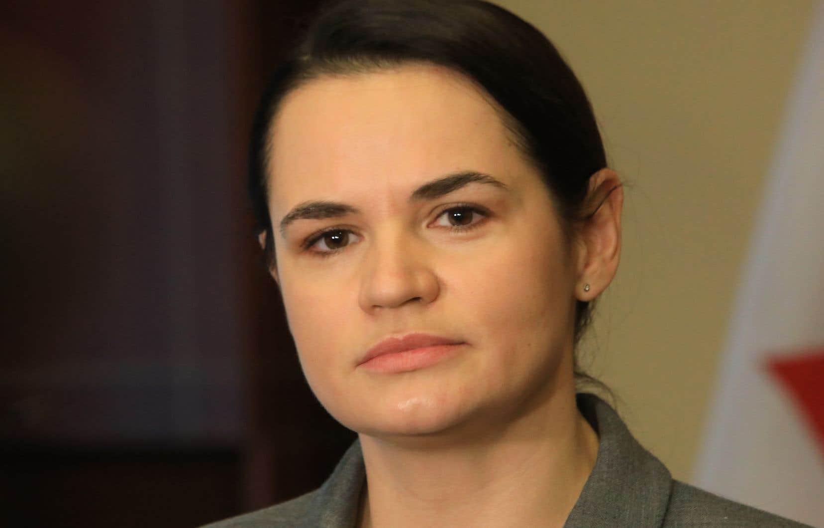 Le prix arrive à un moment clé pour ce mouvement: l'ex-candidate de l'opposition au scrutin Svetlana Tikhanovskaïa a donné au chef de l'État jusqu'à dimanche pour démissionner, menaçant d'appeler à une grève générale et à intensifier les manifestations.