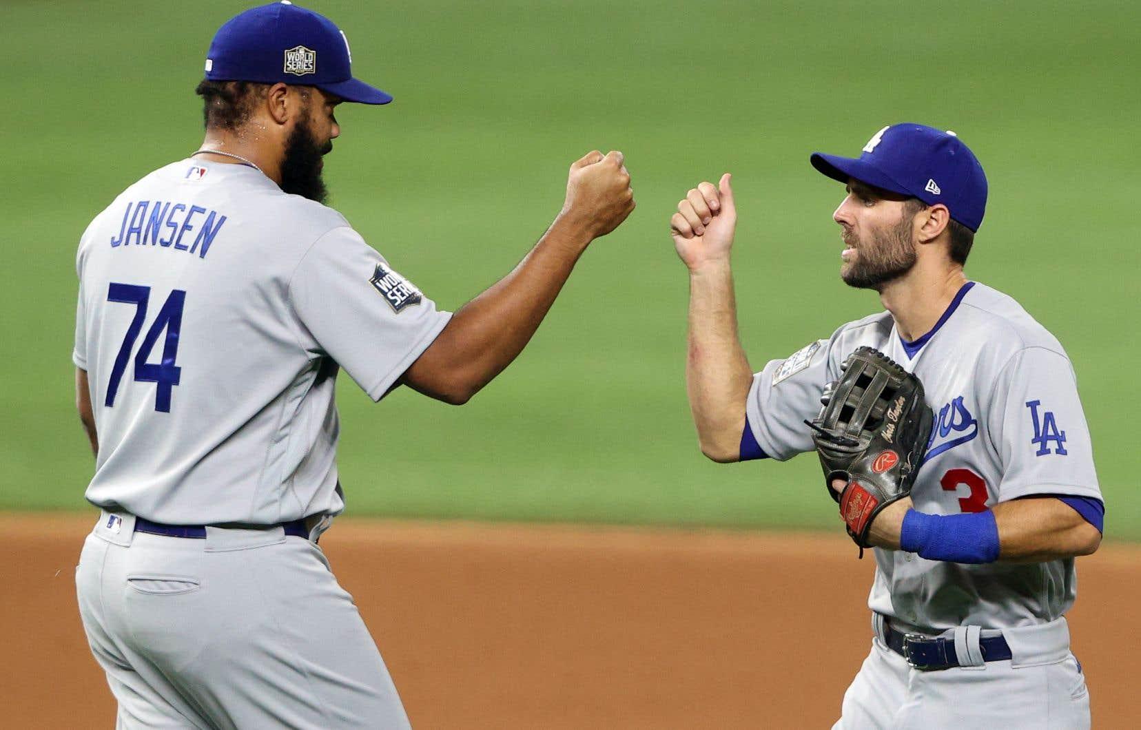 Les Dodgers ont pris les devants 2-1 dans la Série mondiale et le quatrième affrontement aura lieu samedi soir.