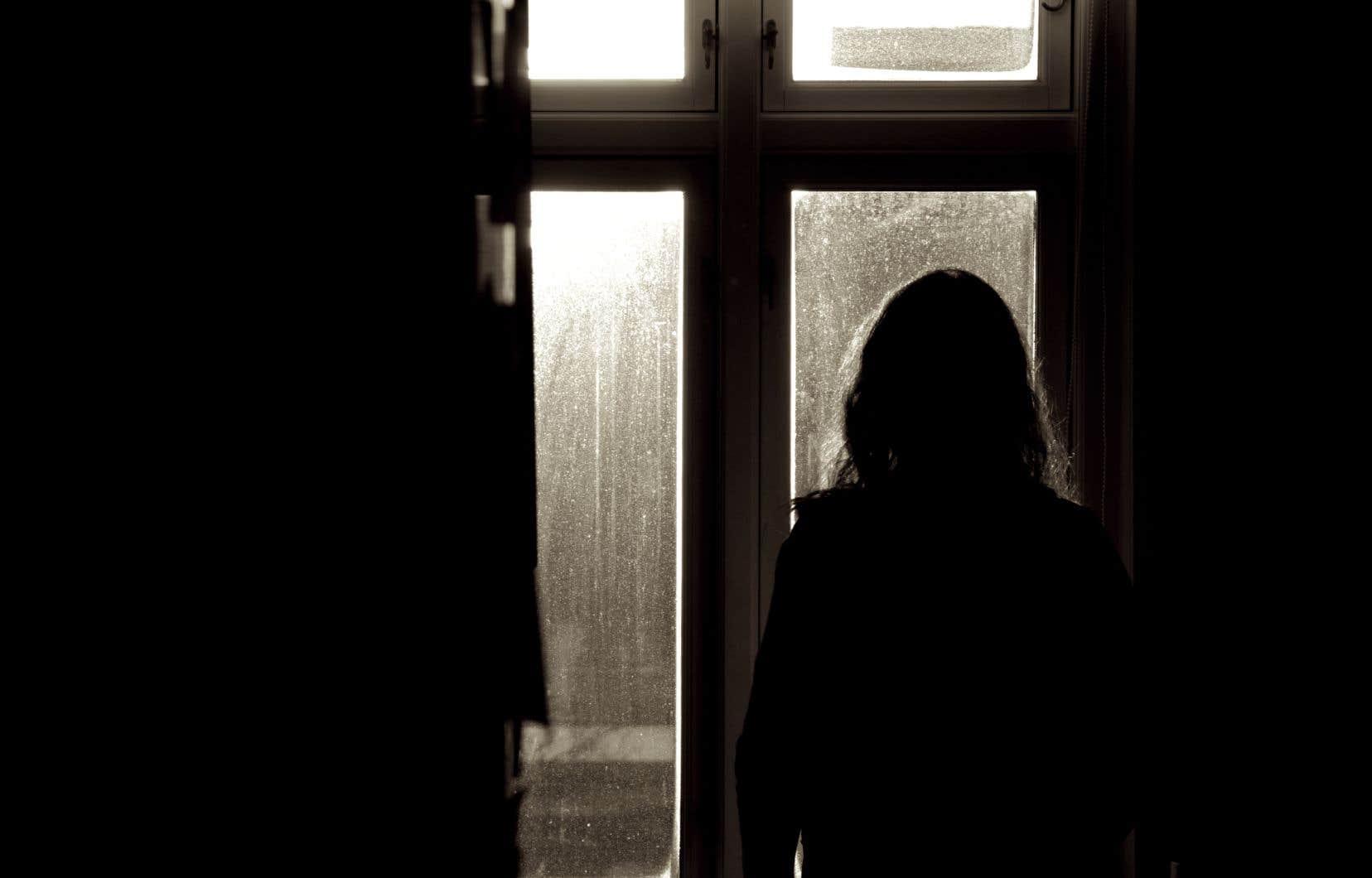 Dans le cadre d'une vaste enquête qui reprenait lundi, la coroner Andrée Kronström se penche sur les services offerts en santé mentale aux personnes suicidaires.