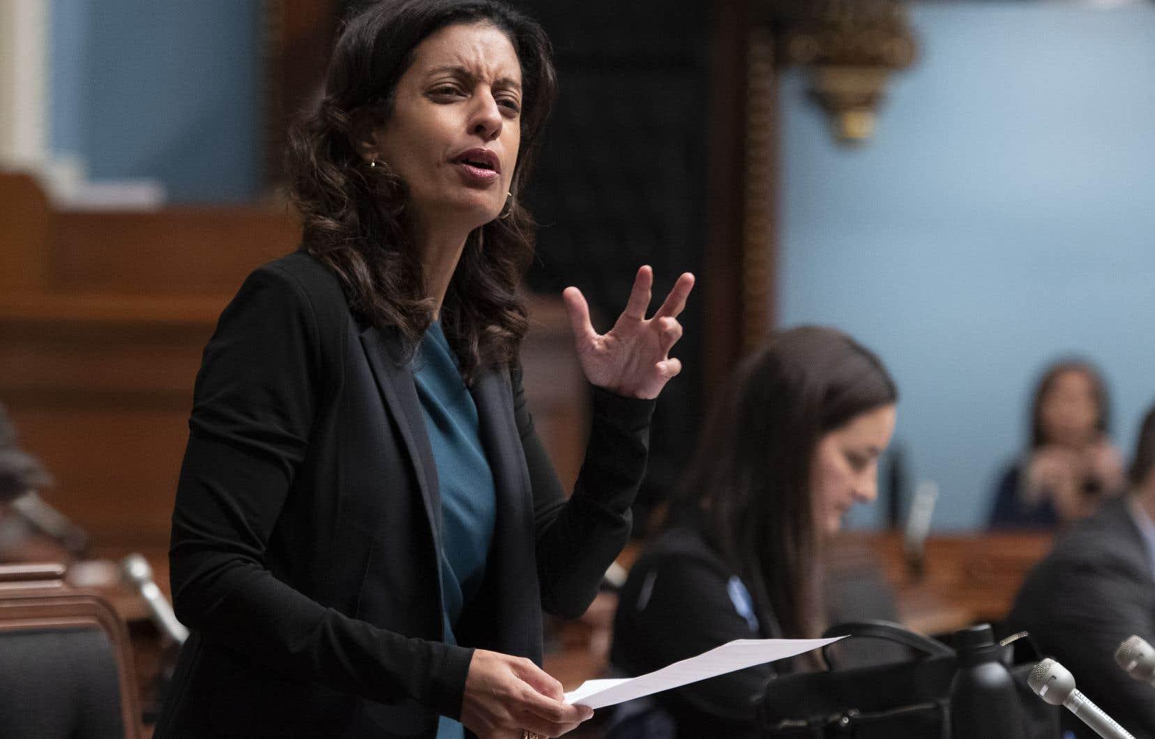 «Il en va maintenant de la paix sociale au Québec», a insisté la cheffe libérale, Dominique Anglade.