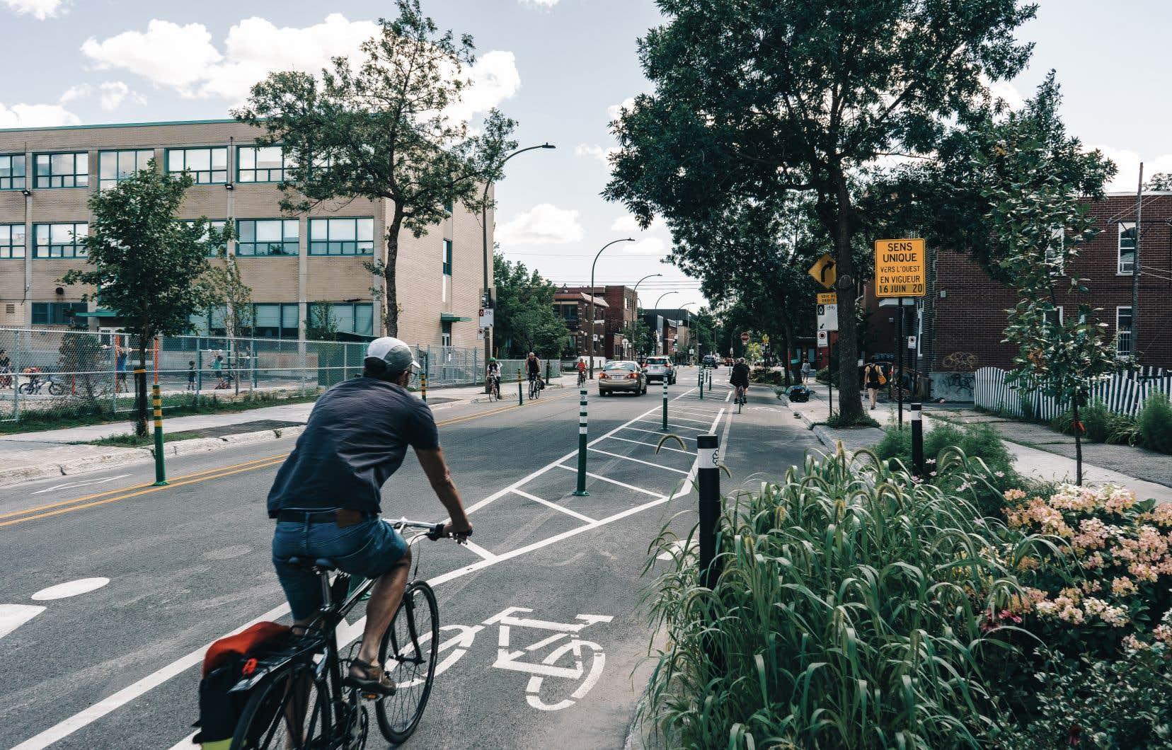 Une ville intelligente pourrait se baser sur des modèles pour prédire les conséquences d'un changement, comme l'ajout d'une piste cyclable.