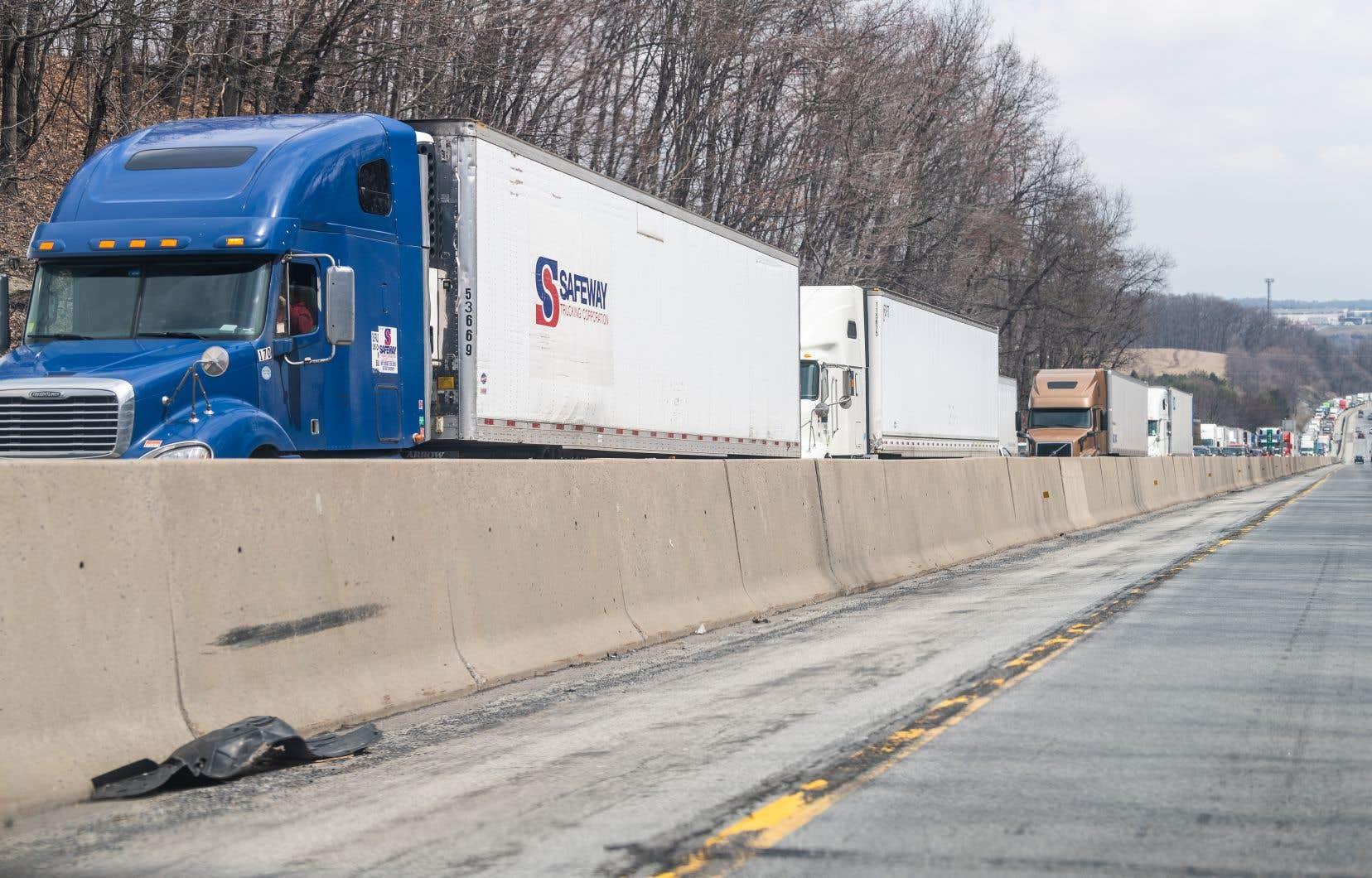 L'IA est utilisée pour développer des outils afin de mieux prévoir le transport des marchandises, contribuant ainsi à réduire la congestion routière.