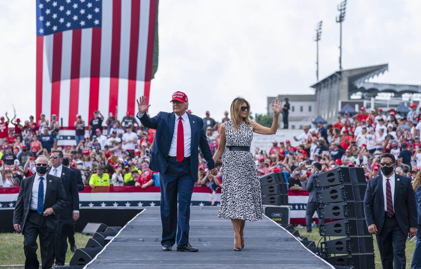 À Tampa Bay, Donald Trump était accompagné de sa femme, Melania, qui a fait une brève allocution.