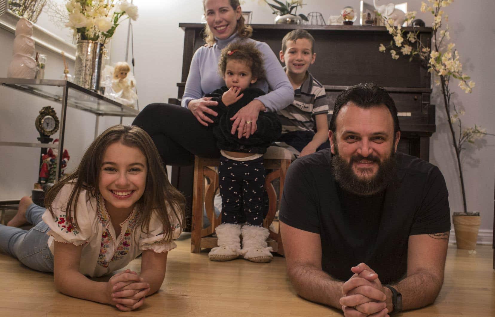 En 2011, la famille Rodrigues-Castro s'est établie au Québec. La voici aujourd'hui à Saint-Constant.