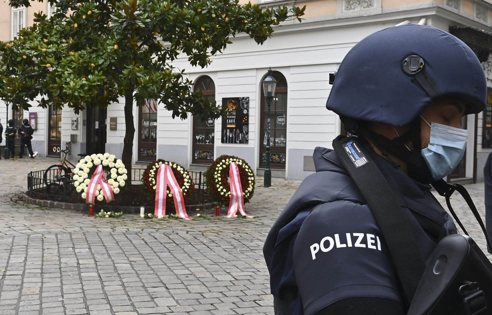 Le gouvernement autrichien avait déjà admis avoir échoué à repérer la dangerosité de l'assaillant de Vienne, malgré une alerte.