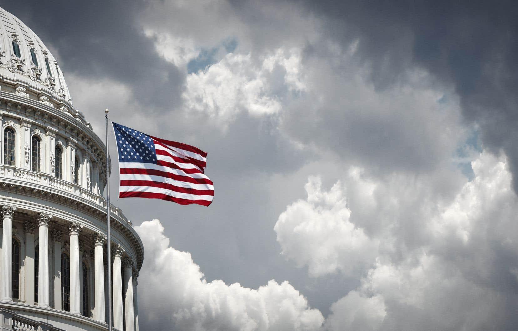 Les républicains détiennent actuellement la majorité au Sénat, avec 53 sièges sur 100. Trente-cinq sièges étaient en jeu lors des élections présidentielles et parlementaires de mardi.