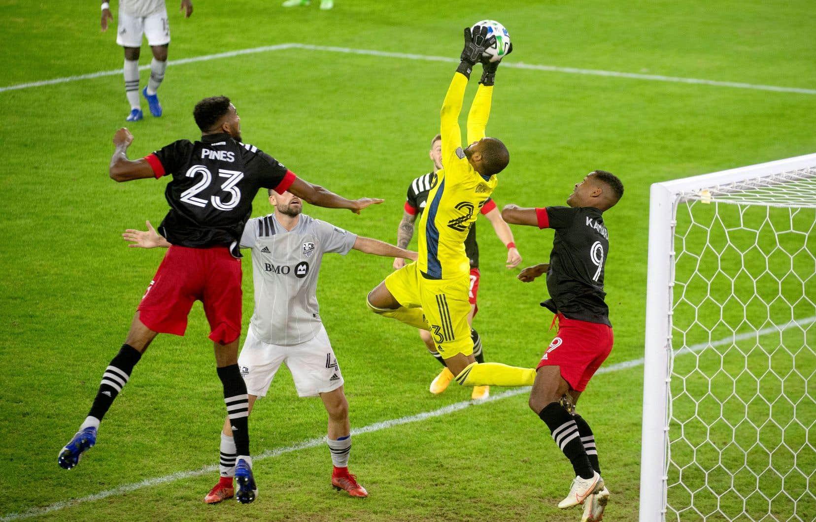 Le gardien de l'Impact, Clément Diop, a effectué quelques arrêts cruciaux qui ont permis au club montréalais de l'emporter contre D.C. United dimanche après-midi.