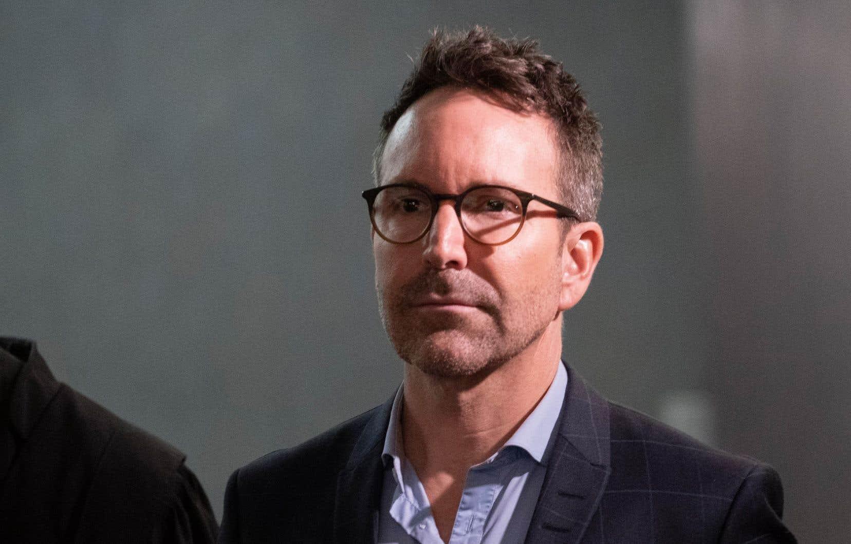 L'ancien animateur, Éric Salvail, est accusé d'agression sexuelle, de harcèlement criminel et de séquestration sur la personne de Donald Duguay.