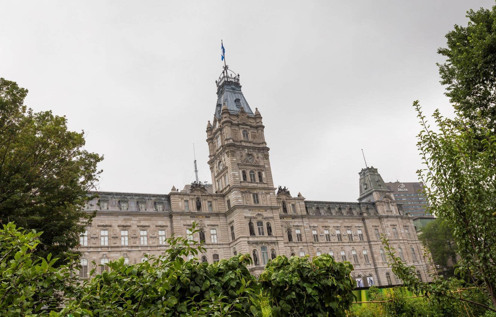 Tous les partis de l'Assemblée nationale se sont rassemblés derrière la motion présentée par le Parti québécois.