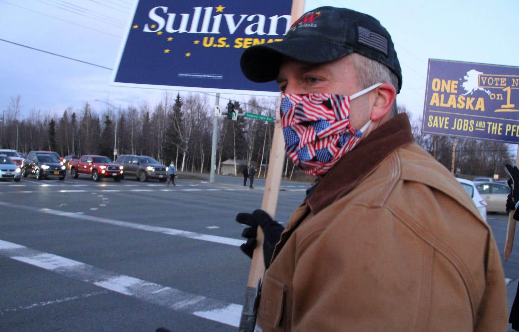 Le sénateur républicain Dan Sullivan (notre photo) a conservé son siège en Alaska.