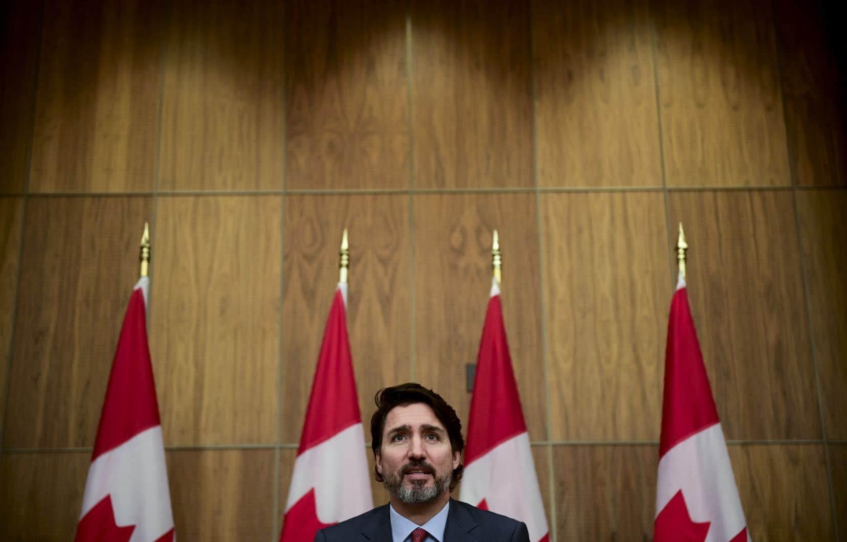 Jeudi, le gouvernement Trudeau a annoncé qu'il faciliterait l'entrée au Canada et l'obtention de la résidence permanente pour certains jeunes Hongkongais récemment diplômés.