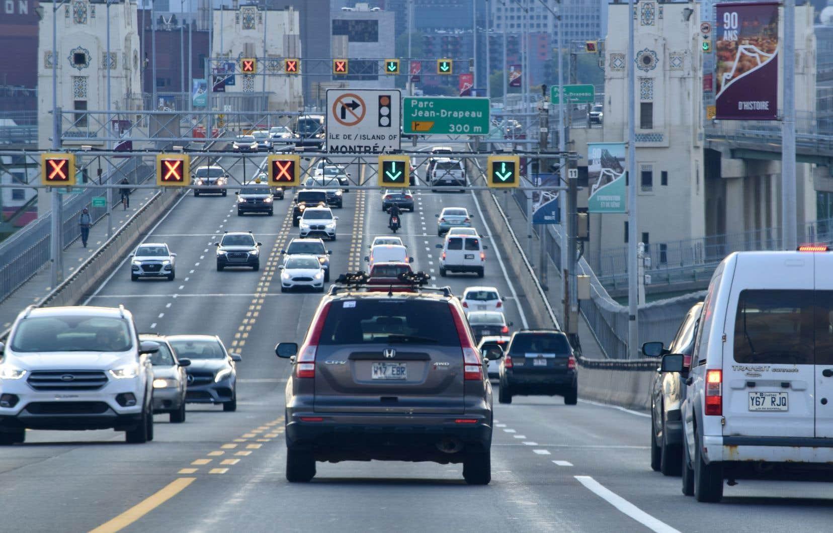 On compterait actuellement environ 80000 véhicules électriques sur les routes du Québec, soit moins de 1,5% de tout le parc automobile.