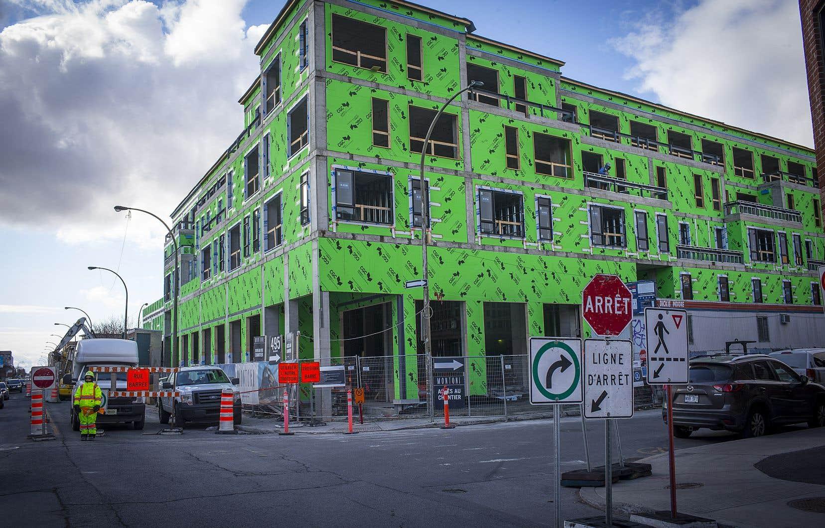 L'immeuble est encore en construction et les logements ne seront prêts qu'à l'été 2021, mais le promoteur a déjà mis ses unités en location.