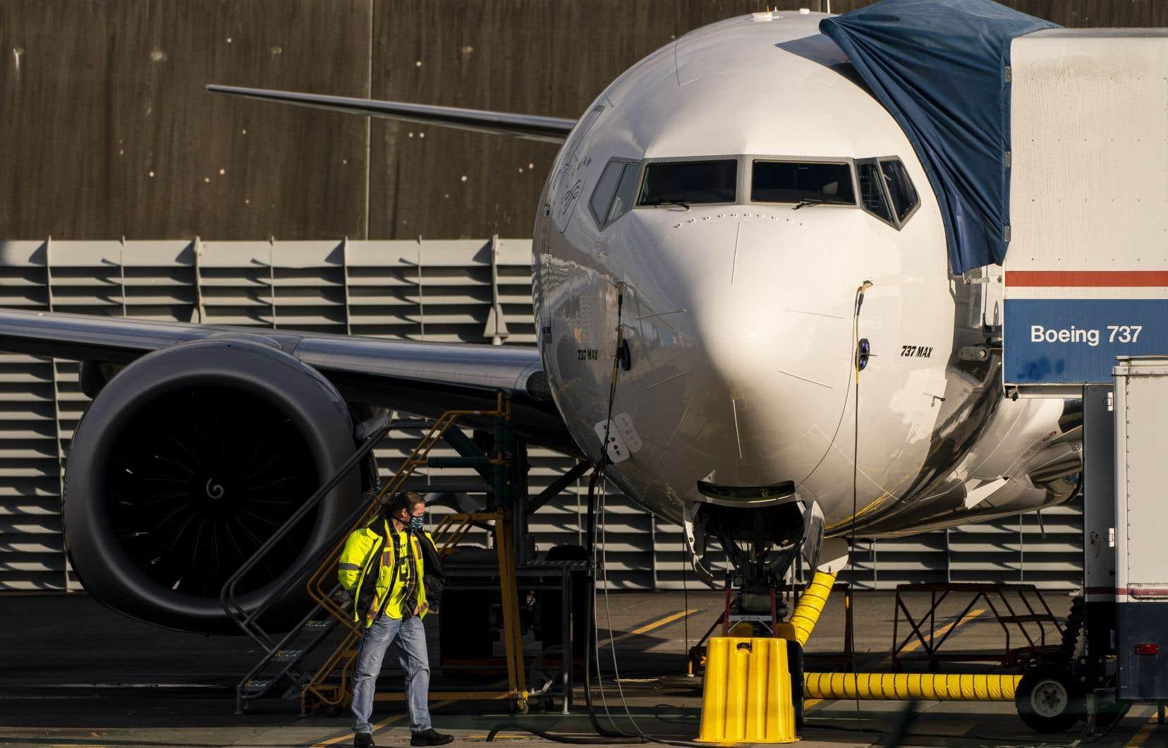 L'agence fédérale de l'aviation américaine précise qu'elle doit encore approuver la formation nécessaire pour les pilotes avant tout vol du Boeing 737 MAX dans le ciel américain.