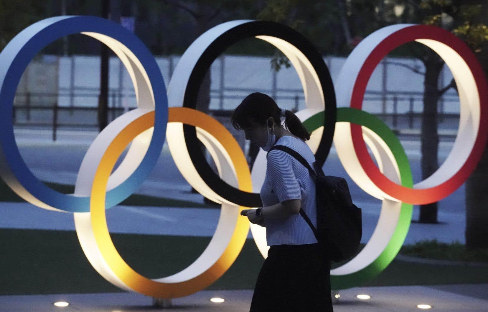 Plutôt que d'échanger avec leurs collègues d'autres pays, les athlètes olympiques recevront la directive de quitter le Japon une journée ou deux après la fin de leurs compétitions.