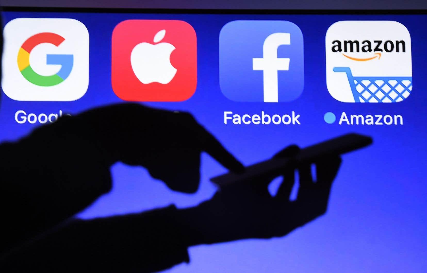 «Actuellement, contrairement aux diffuseurs traditionnels, les diffuseurs en ligne peuvent ignorer nos lois, normes et valeurs», écrit l'auteur.
