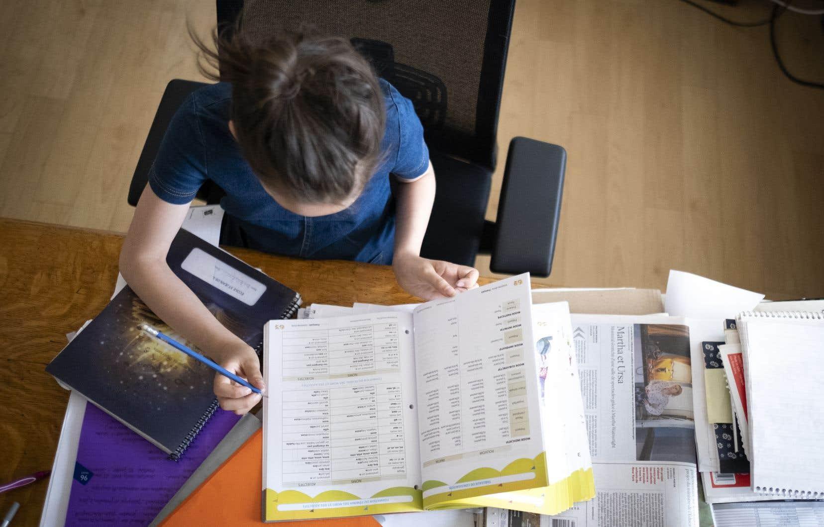 Le retard dans l'apprentissage provoqué par la fermeture des écoles au printemps n'est pas encore rattrapé pour bien des élèves, notent autant les enseignants que les directions d'école.