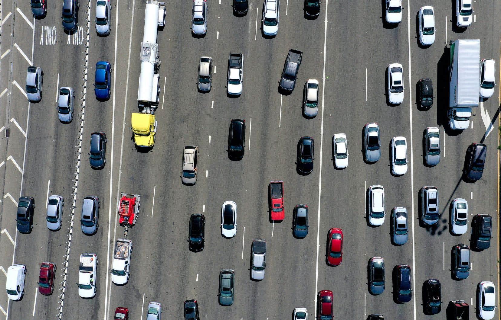 Un jour de circulation automobile à Oakland, en Californie