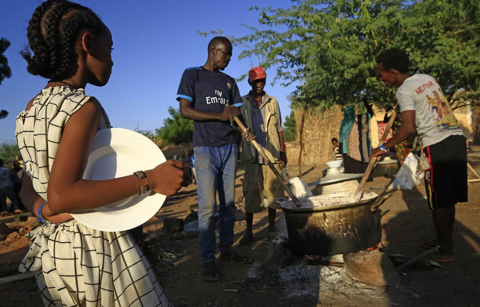 Quelque 65% des quelque 42millions d'habitants du Soudan vivent sous du seuil de pauvreté, selon les chiffres du gouvernement.