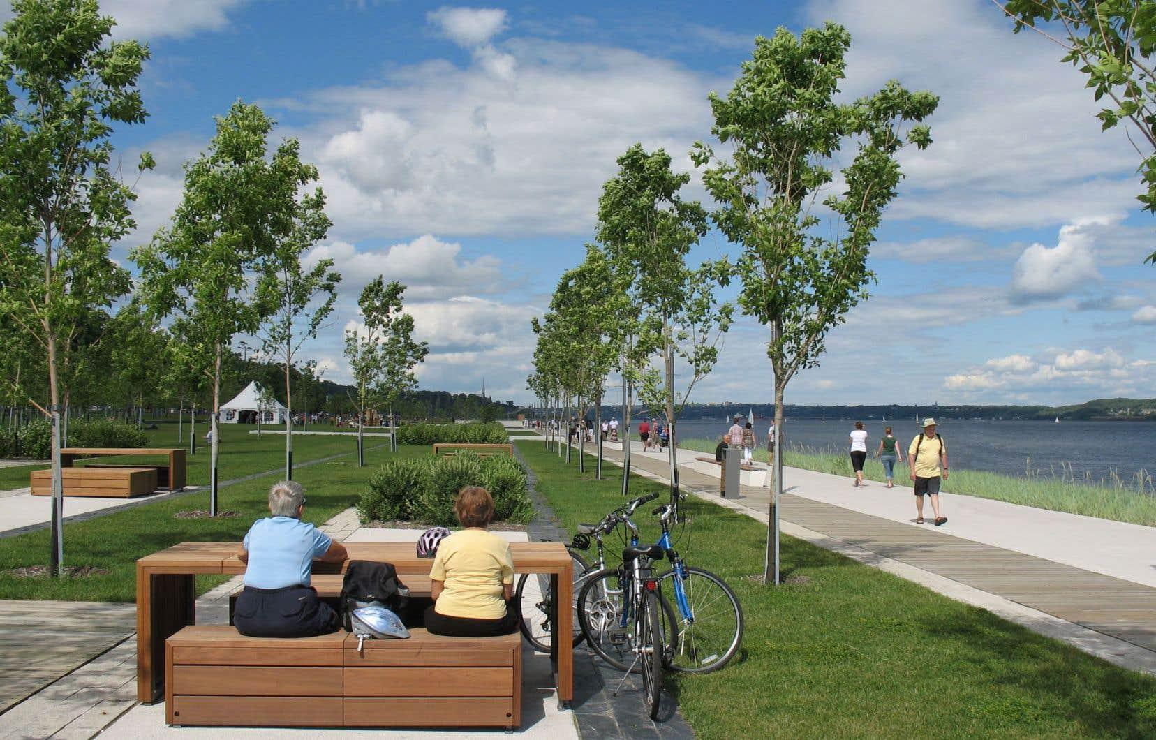«C'est en se dotant d'une Commission de la capitale nationale à l'exemple de celle d'Ottawa que la ville de Québec a pu réaliser sa formidable promenade Samuel-De Champlain», écrit l'auteur.