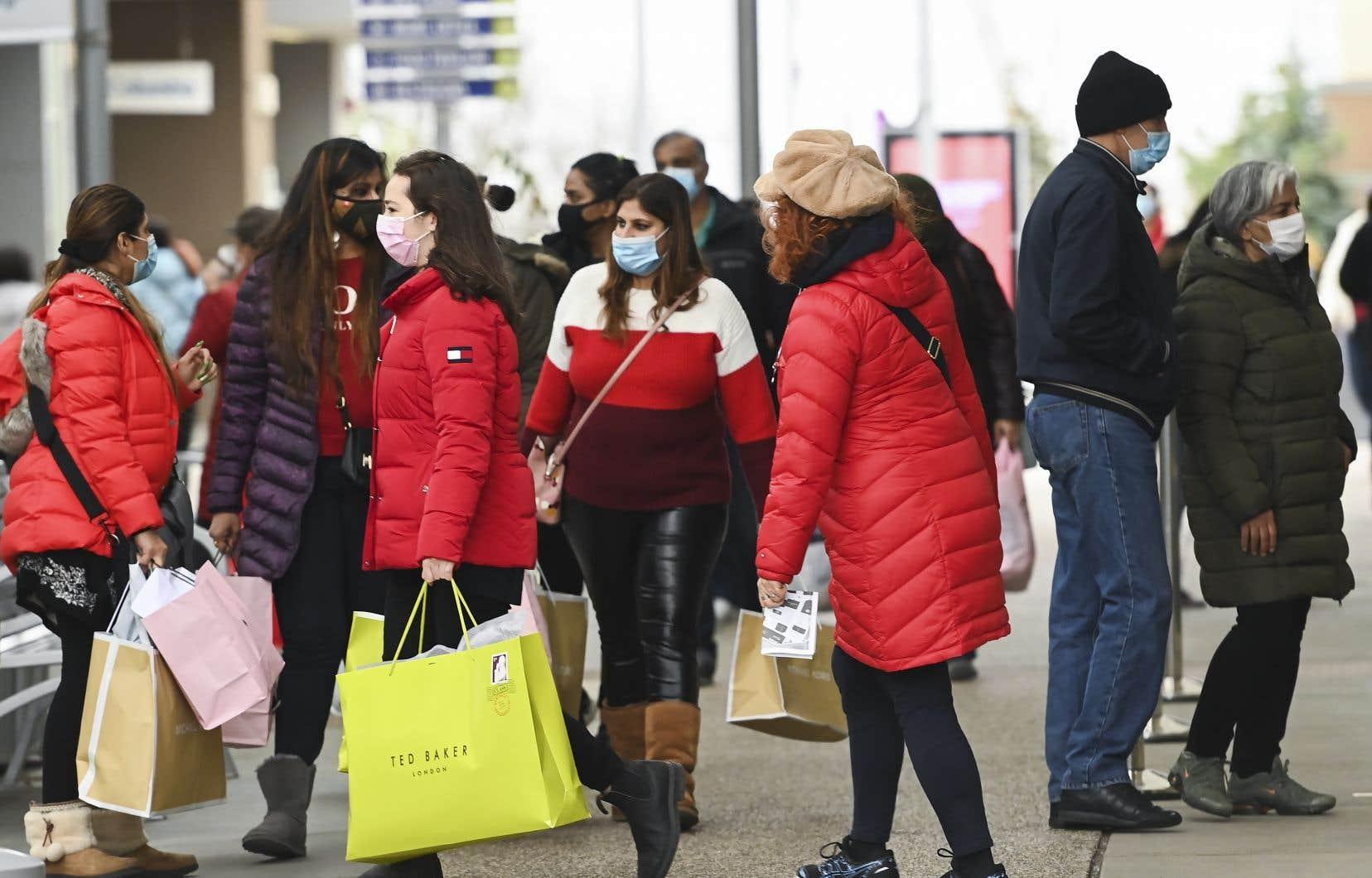 Le rebond de l'économie canadienne s'était notamment traduit par une forte hausse en trois mois de la consommation des ménages.