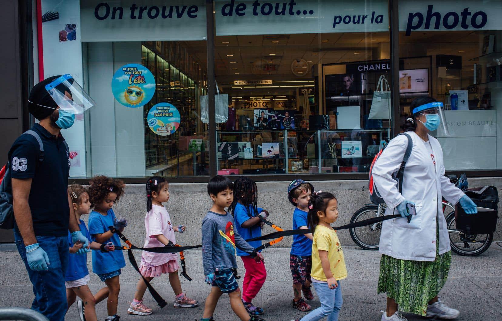 Instauré en 1997, le réseau des centres de la petite enfance a permis à de nombreuses Québécoises d'accéder au marché du travail.