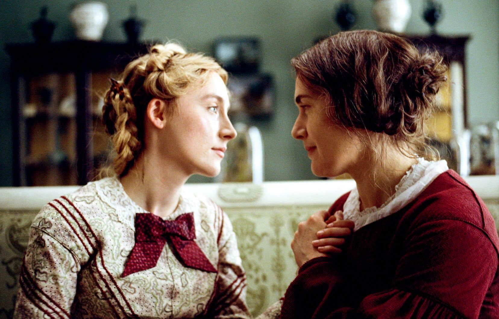 Dans «Ammonite», les actrices Saoirse Ronan et Kate Winslet partagent une indéniable chimie.