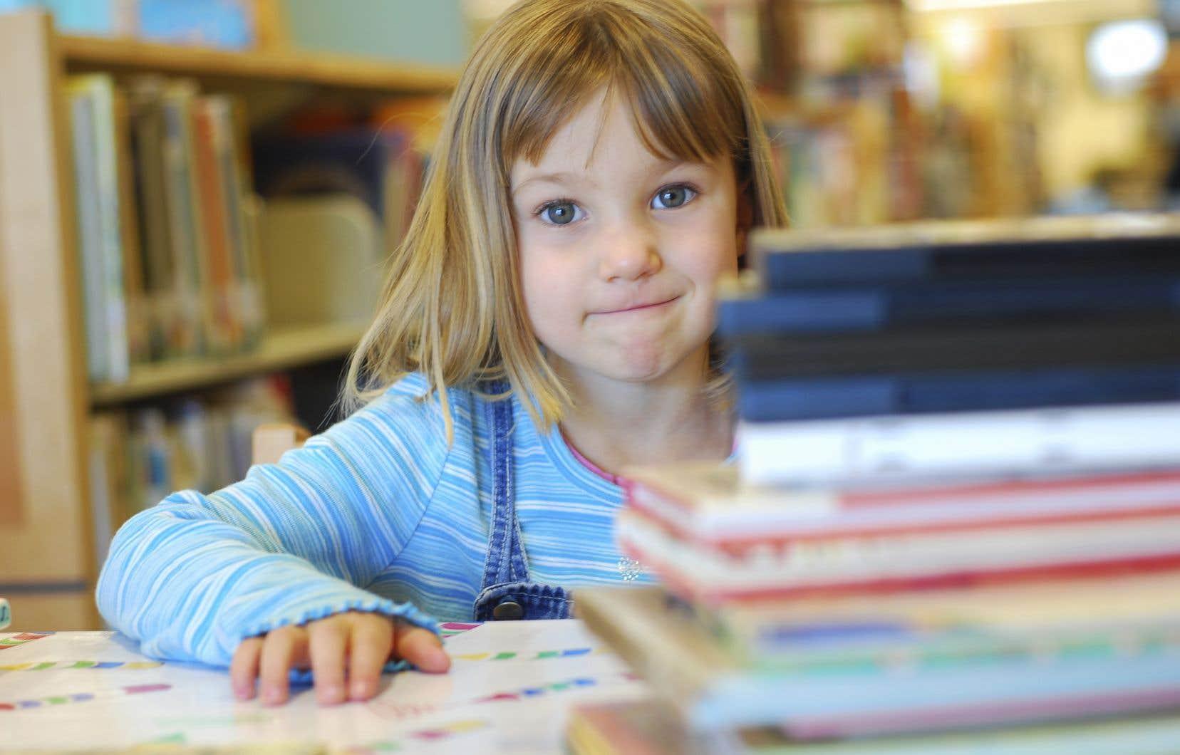 Certaines études démontrent que chaque classe du primaire devrait être équipée d'un minimum de 500 livres en papier pour développer le goût de lire et les compétences à lire et à apprécier des œuvres littéraires.
