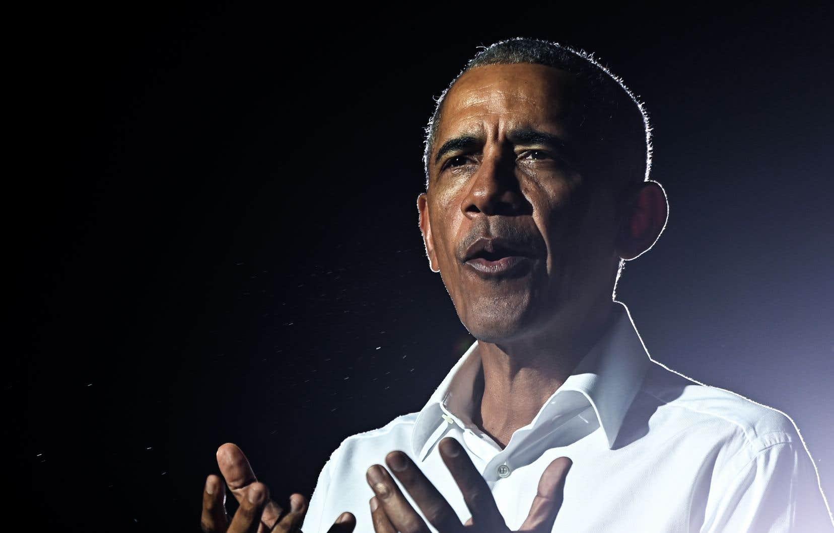<p>Barack Obama, 59ans, a affirmé faire «entièrement confiance» aux autorités sanitaires du pays, dont l'immunologue Anthony Fauci, figure scientifique très respectée aux États-Unis.</p>