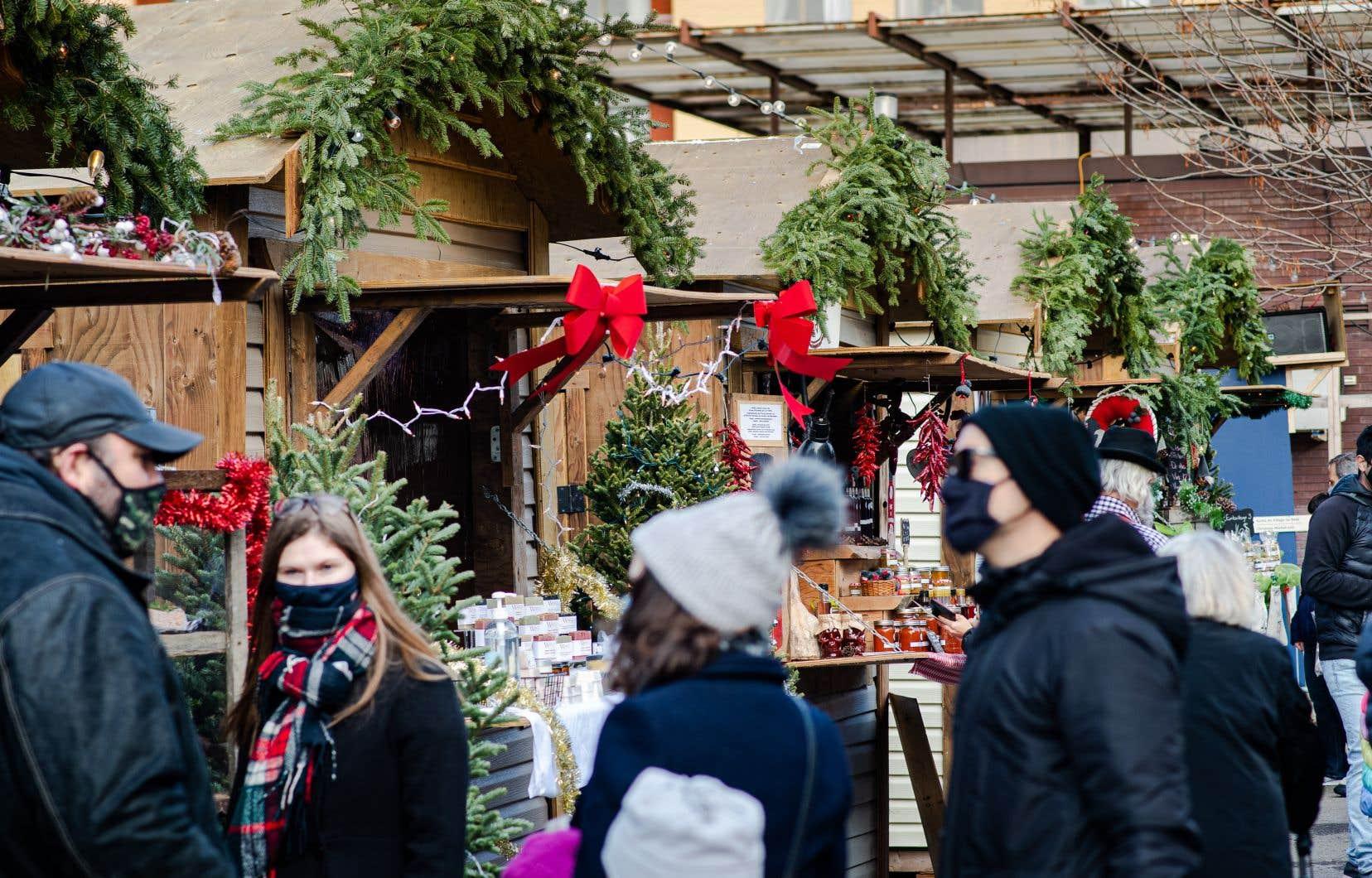 Les marchés de Noël sont une destination de choix pour encourager les artisans locaux.