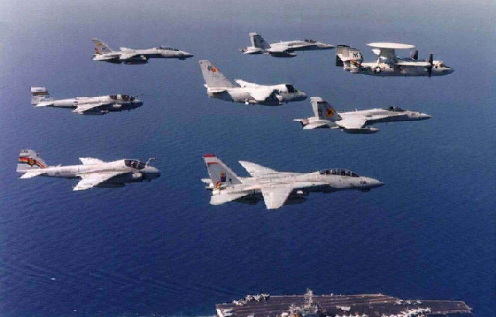 Les États-Unis sont la seule puissance capable de surveiller et de garantir l'approvisionnement pétrolier grâce à leur armada militaire.<br />