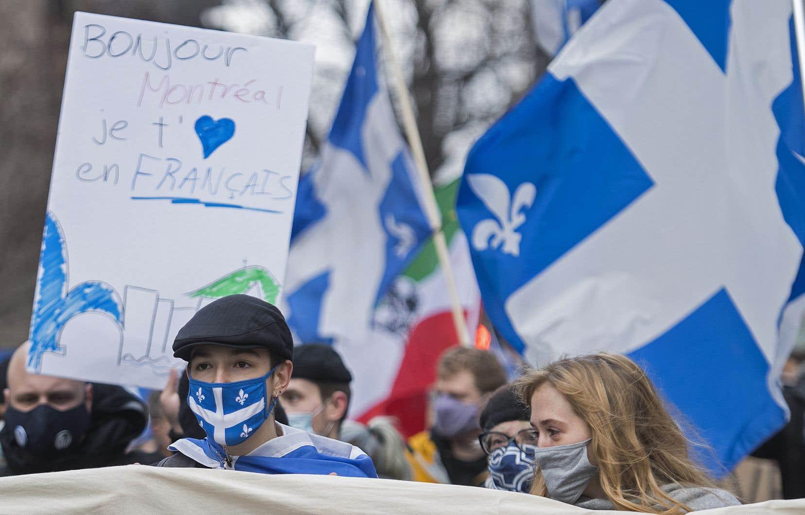 «Sur l'île de Montréal, le français n'est utilisé dans l'espace public que par 58% des personnes», rappelle l'auteur.