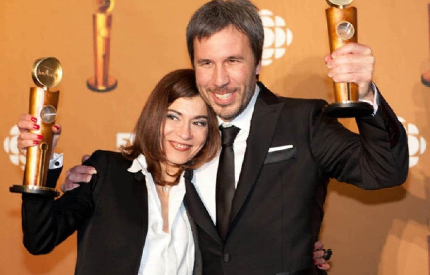 L&rsquo;actrice Lubna Azabal et le r&eacute;alisateur Denis Villeneuve, dont le film Incendies a r&eacute;colt&eacute; neuf statuettes au gala des Jutra pr&eacute;sent&eacute; hier soir au Th&eacute;&acirc;tre Saint-Denis.<br />
