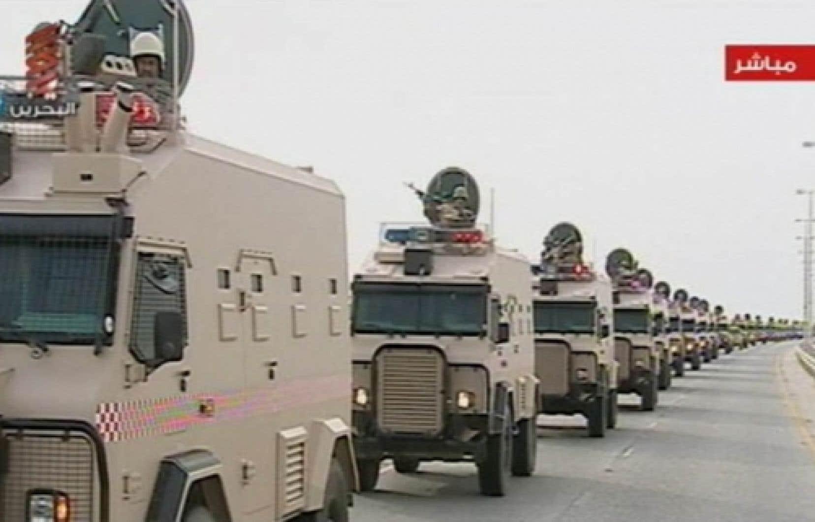 La télévision d'État a montré des images des soldats saoudiens entrant à Bahreïn.<br />
