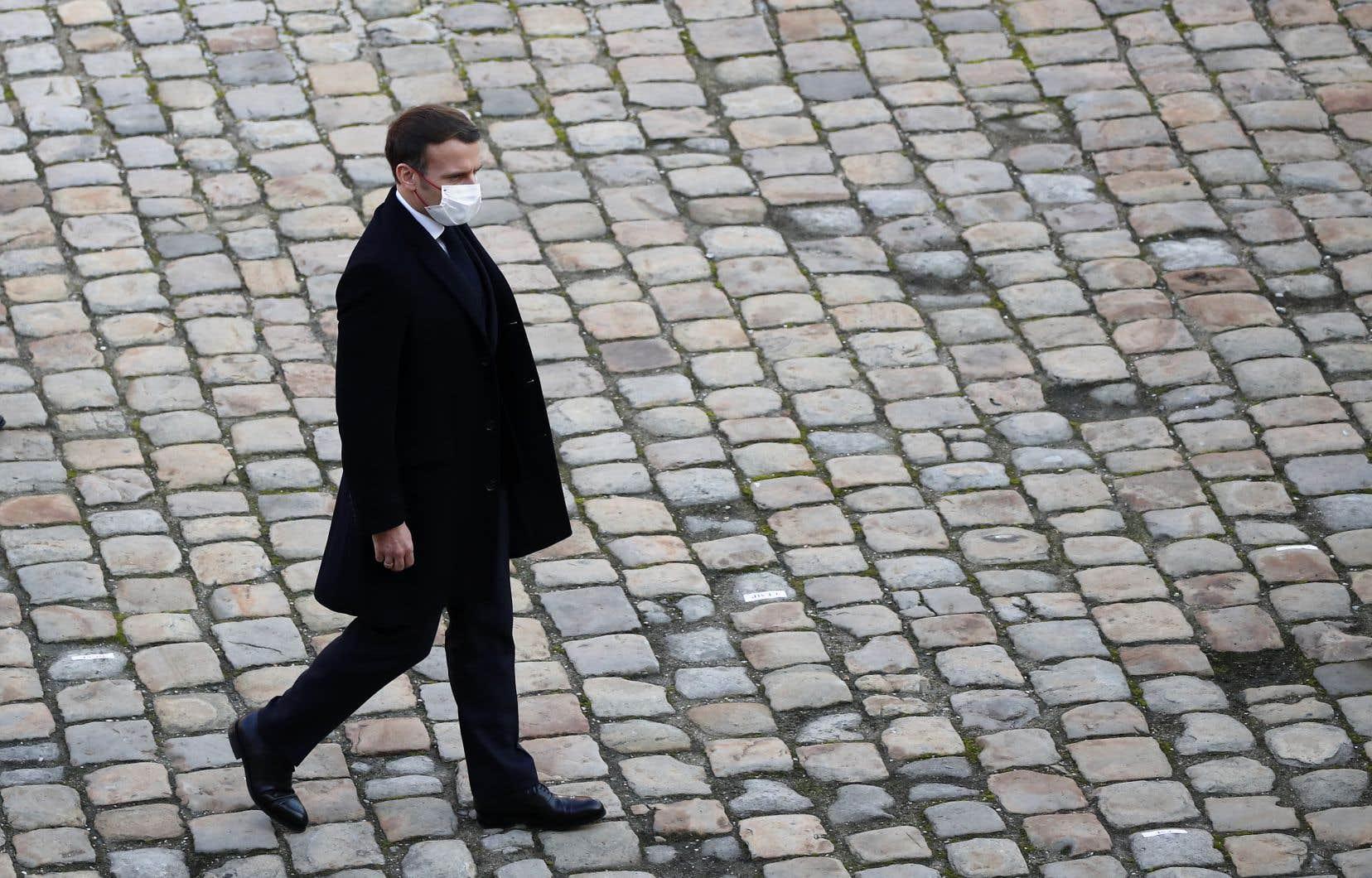 Le président français, Emmanuel Macron, avait annoncé, en octobre, la rédaction d'une nouvelle loi destinée à combattre l'islamisme et le communautarisme religieux.
