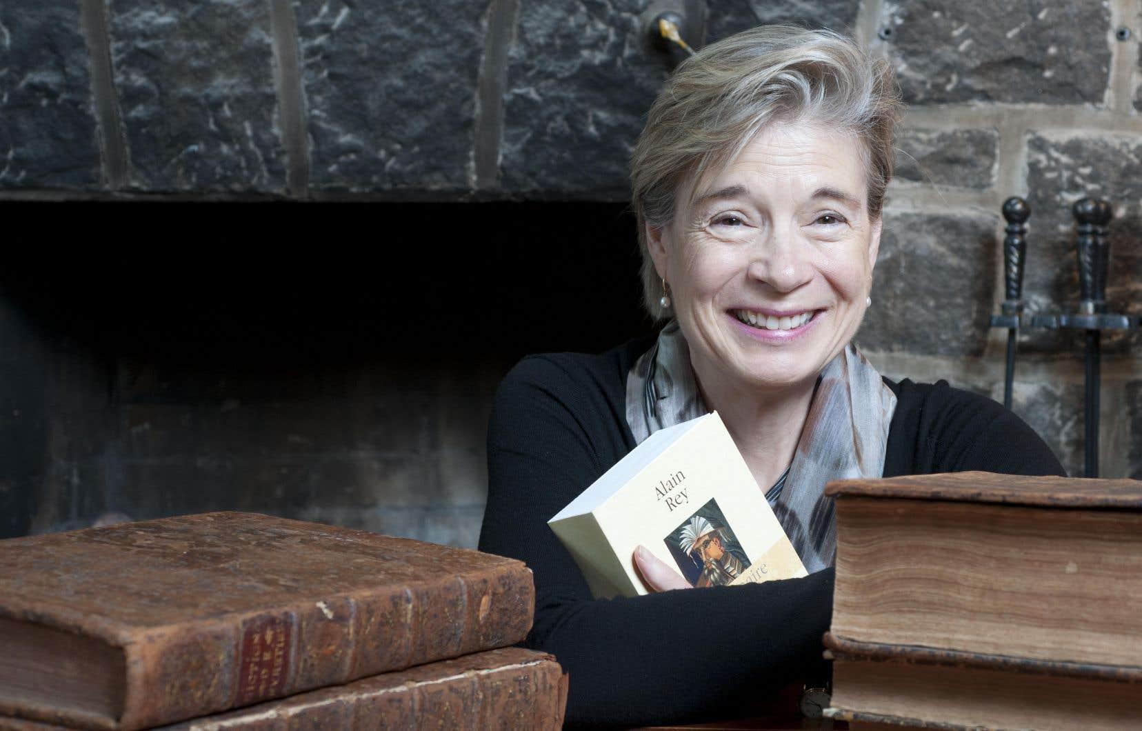 Monique Cormier a passé énormément de temps seule à faire de la recherche pointue sur les dictionnaires, mais elle a aussi toujours voulu partager ses connaissances avec l'ensemble de la société.