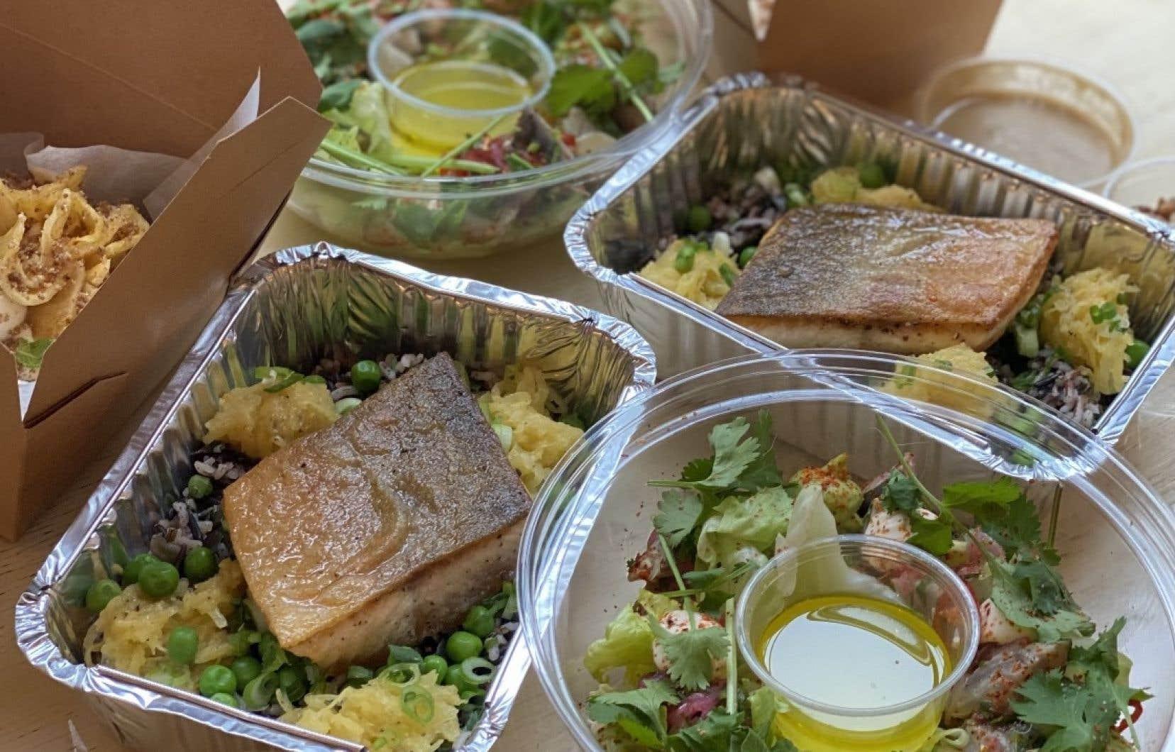 La boîte «plus poisson que viande» pour deux offerte par le restaurant Montréal Plaza.
