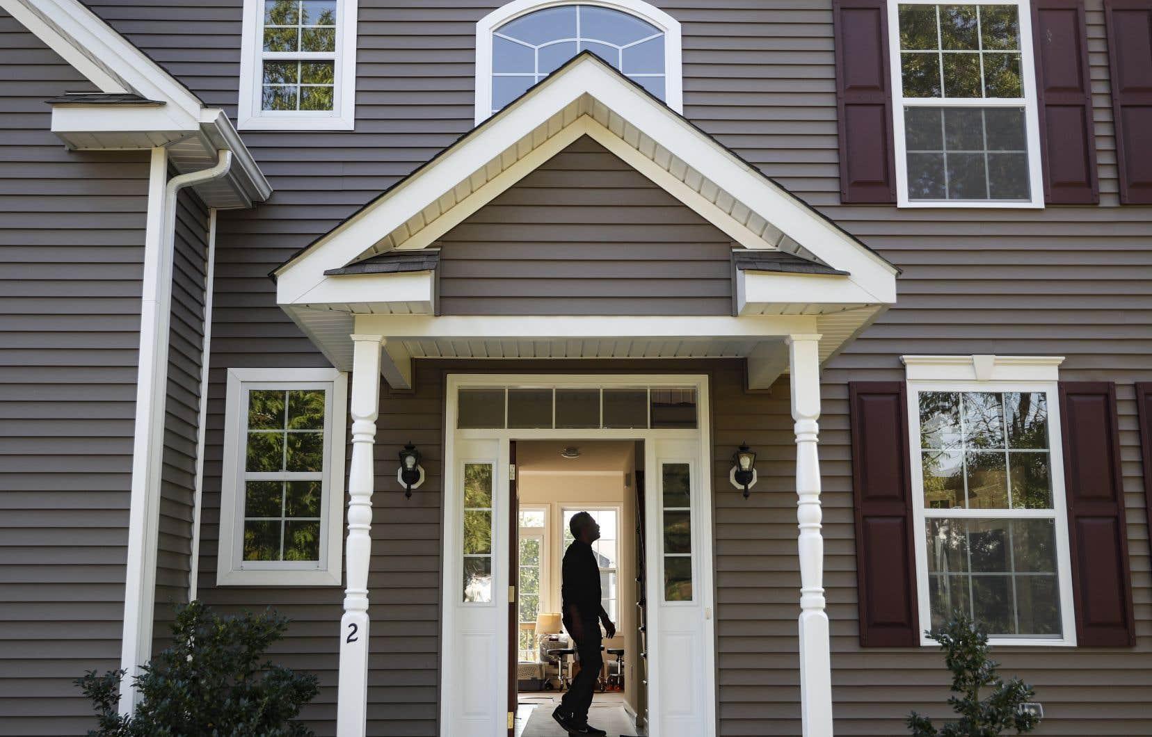 L'inflation annuelle s'est établie à 1,0% en novembre, sous l'effet d'une hausse des prix des habitations, des loyers et des biens pour la maison.