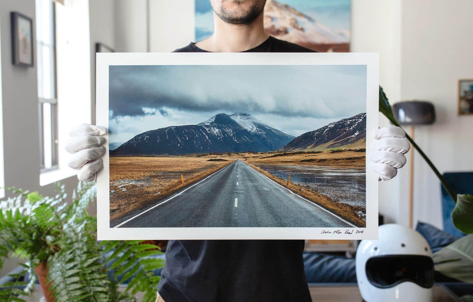 Le coloriste Charles-Étienne Pascal (alias Roadshutter) vend ses magnifiques images qu'il imprime sur du papier muséal.